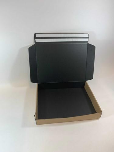 Webshop verzend retour doos  kraft bruin buitenzijde, zwart binnenzijde  37,5x28,5x6 cm  M